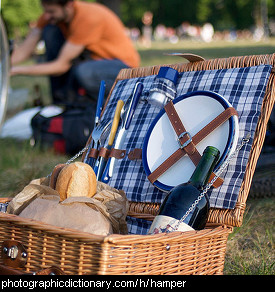 Photo of a picnic hamper
